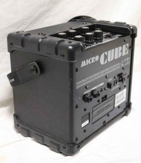 Roland Micro Cube Amp side1