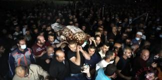 Funeral en Belén por una de las víctimas de los bombardeos israelíes sobre la Franja de Gaza.