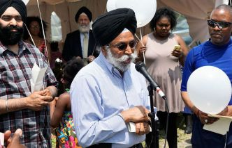 sikhs-of-syracuse-ny-participate-in-the-prayer-vigil-for-the-charleston-massacre-1.jpg