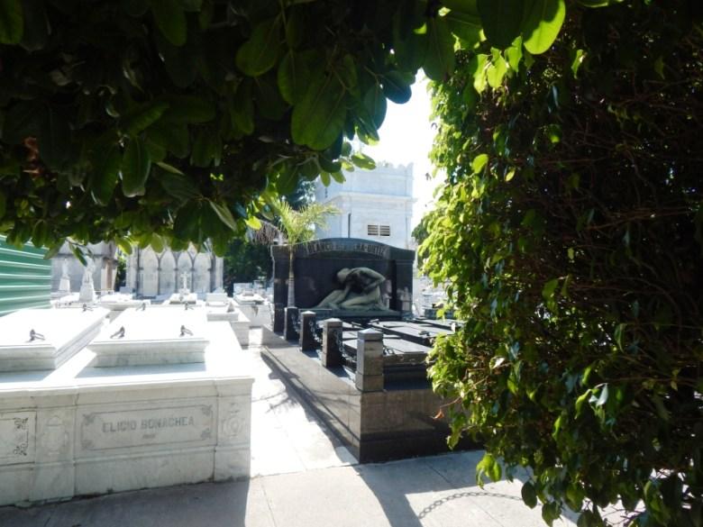 graves Colon Cemetery, Havana