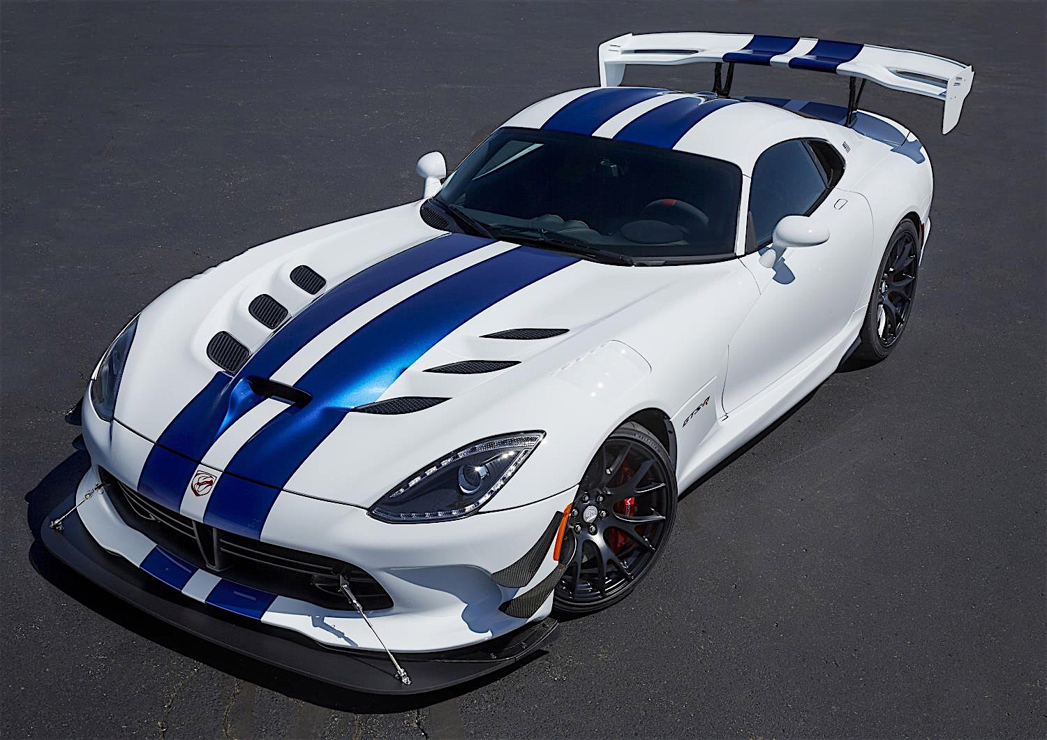 dodge viper for sale the ultimate guide american supercars rh americansupercars com 2018 Dodge Viper 2015 Dodge Viper
