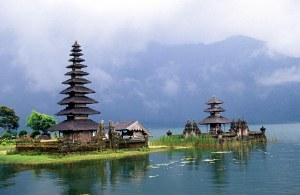 DPS Bali Lake Bratan Temple2_b