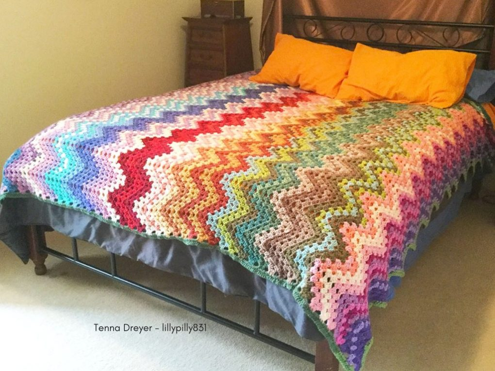 crochet blanket - queen size bed