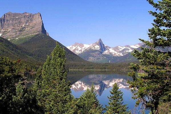 Glacier Mountains & Lake