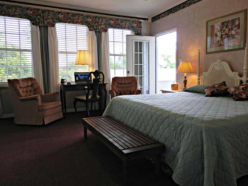 Balcony Suite   Americus Garden Inn Bed & Breakfast, Georgia