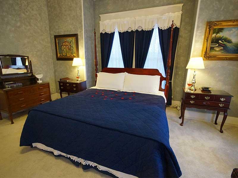 2020 Jacuzzi Suite   Americus Garden Inn Bed & Breakfast, Georgia