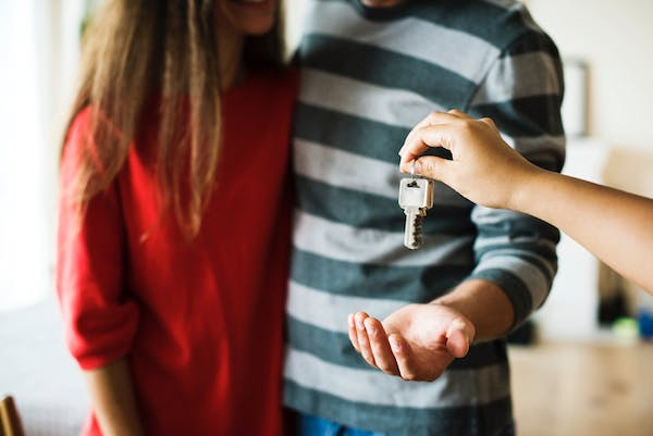 what to know before buying a house this year