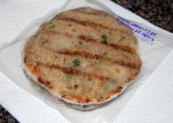 kale mozzarella chicken burger by amylu review
