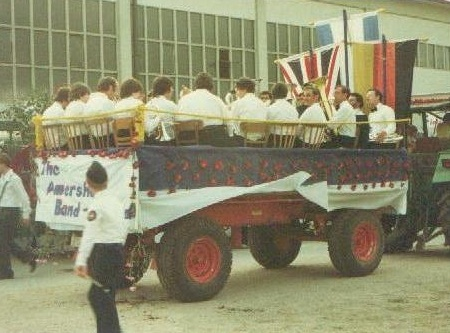 band 1983 in parade
