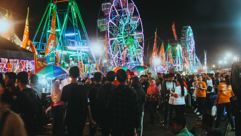 family-fall-carnival