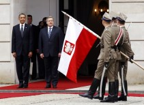 U.S. President Obama takes part in an arrival ceremony with Polish President Komorowski at the Presidential Palace in Warsaw