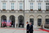 US President Barack Obama (L) and Polish
