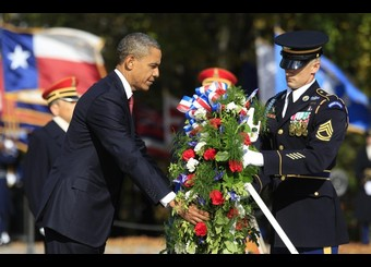 Obama visits Arlington National Cemetery on Veterans day