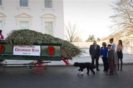 Michelle Obama, Malia Obama, Sasha Obama, Tom Schroeder, Sue Schroeder
