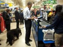 President Obama Goes Shopping
