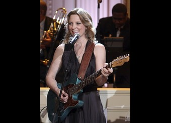 """Susan Tedeschi performs during the """"In Performance at the White House"""" series, in Washington"""
