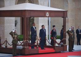 Potus arrives in Jordan13