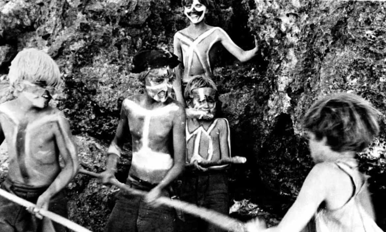 Настоящий «Повелитель Мух»: 6 мальчиков прожили 15 месяцев на необитаемом острове