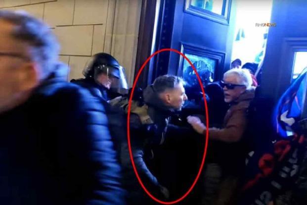 Репрессии режима Байдена против героев штурмовавших Капитолий продолжаются