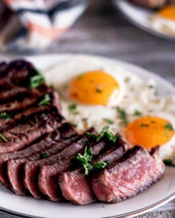 amfora-london-breakfast-in-bed-steak-eggs