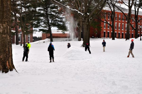 College Reopens After Snowstorm | The Amherst Student