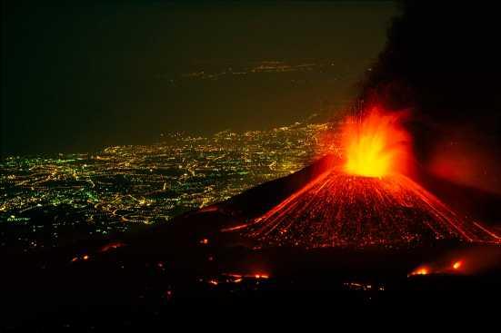Night eruption of Etna