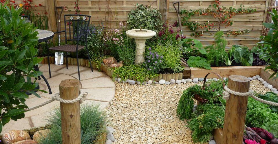 8 Trendy Garden Themes To Consider For Your Home | Amico on Small Mediterranean Patio Ideas id=93988