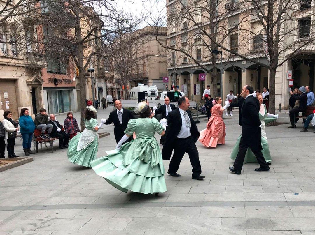 Folk-Dance-02