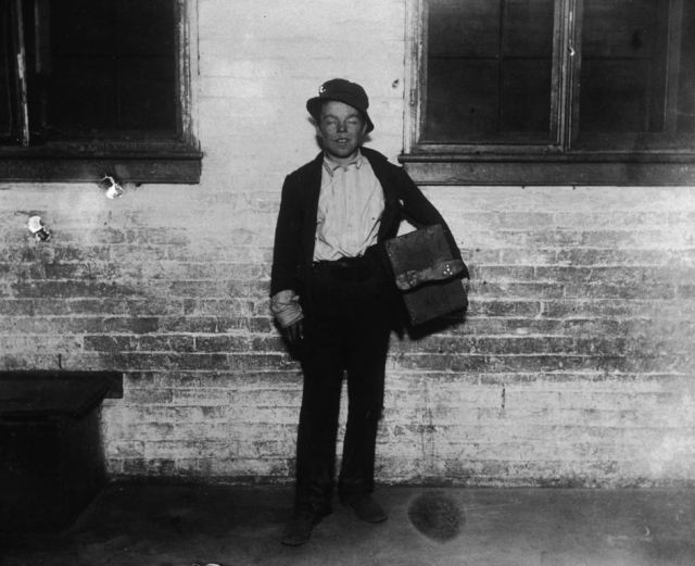 1890shoeshineboy