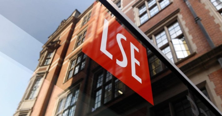 LSE-logo-and-signage-on-building (1)