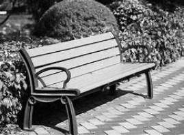 二人で座ったベンチ