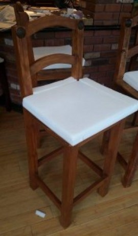 amigas4all, bar redo, chair, rustic stool, rustic chair, bar decor, burlap, foam