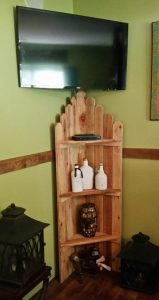 Amigas4all corner shelf rustic with decor