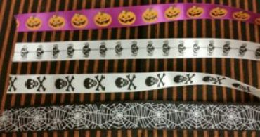 halloween-wine-charms-image-of-ribbons