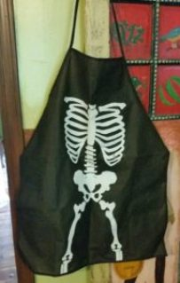 halloween-12-days-apron-amigas