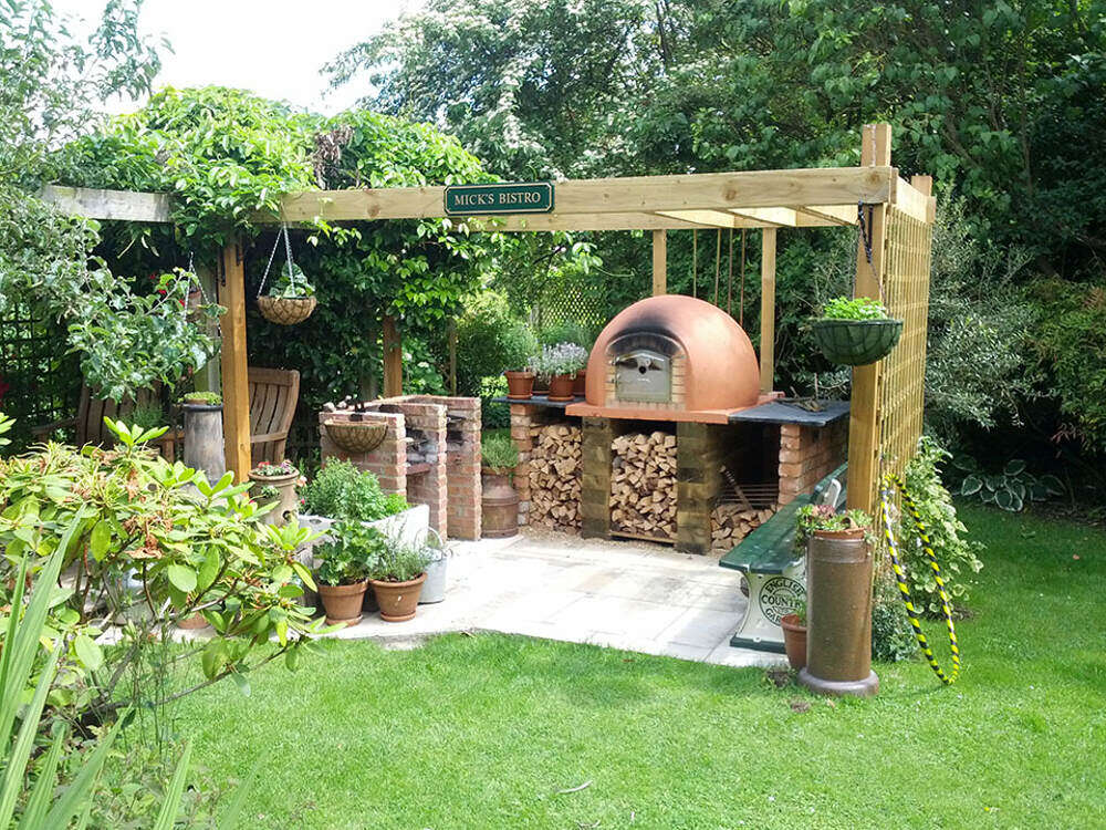 Outdoor Pizza Oven | Amigo Ovens on Outdoor Patio With Pizza Oven  id=43371