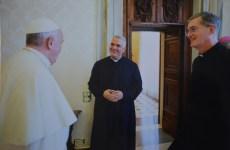 P. Jorge Cortes, misionero del IVE en Irak, y p. Carlos Walker, superior general del IVE en audiencia privada con el Papa Francisco