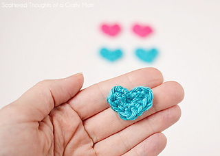 Tiny crochet heart pattern free
