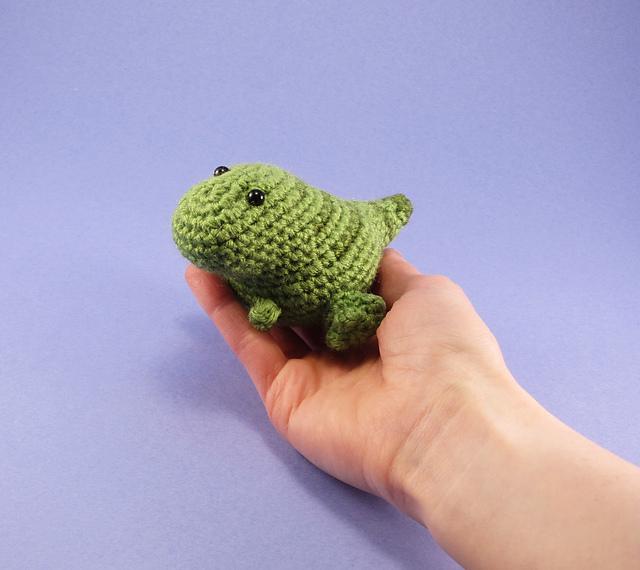 Tiny T Rex amigurumi pattern