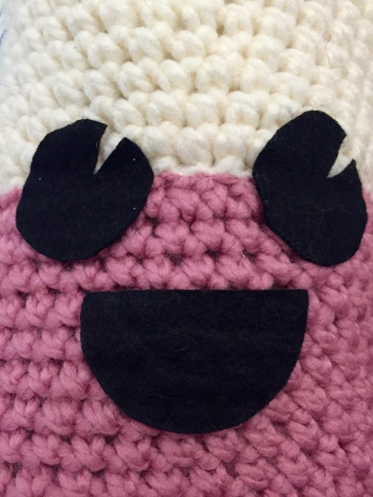 Felt shapes for a happy amigurumi crochet face
