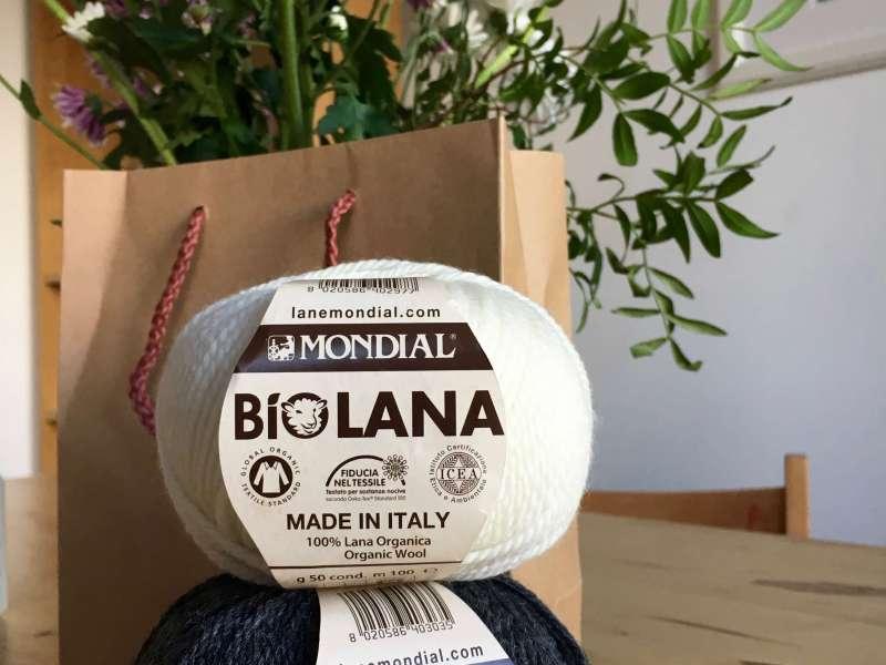 Black and white organic yarn