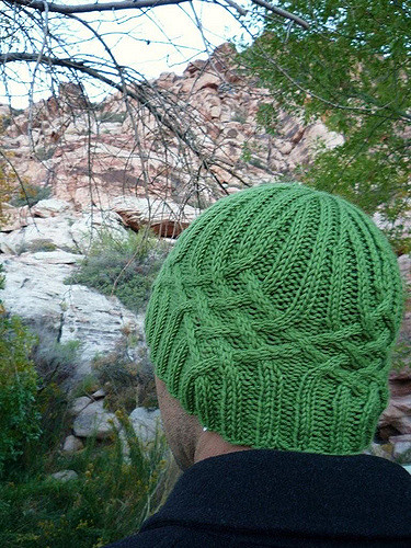 free cable beanie pattern