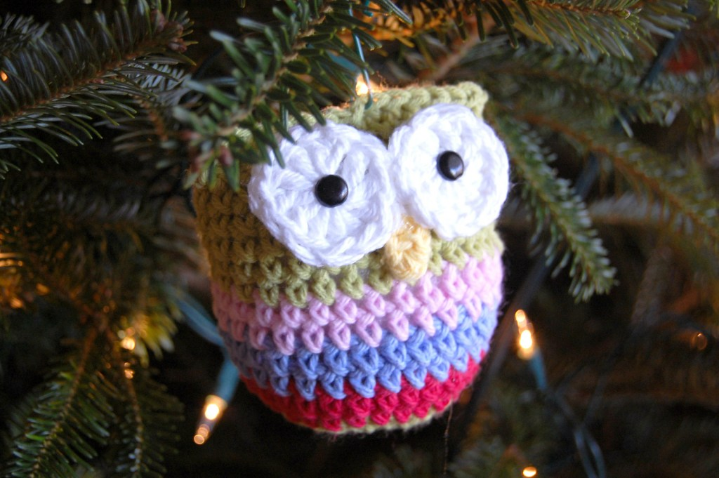 Owl Christmas Ornament to crochet