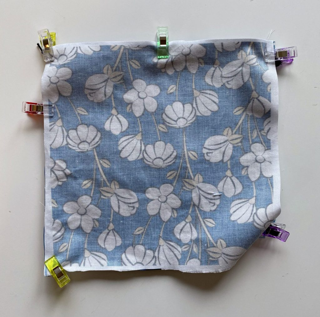 Sew a facemask with lining fabric