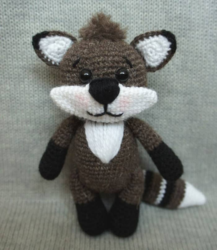 Raccoon crochet pattern free