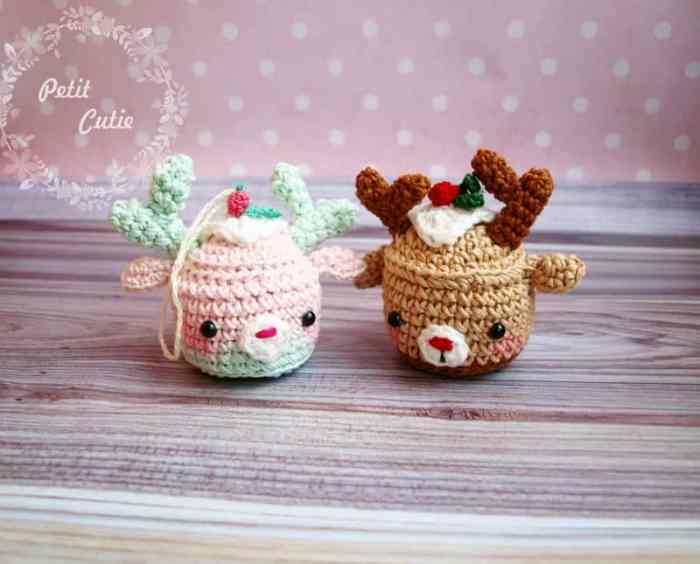 Christmas deer cupcake crochet pattern