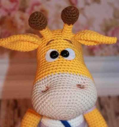 Crochet naughty giraffe amigurumi pattern