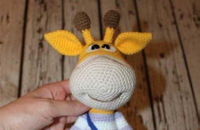 Naughty giraffe amigurumi pattern - muzzle