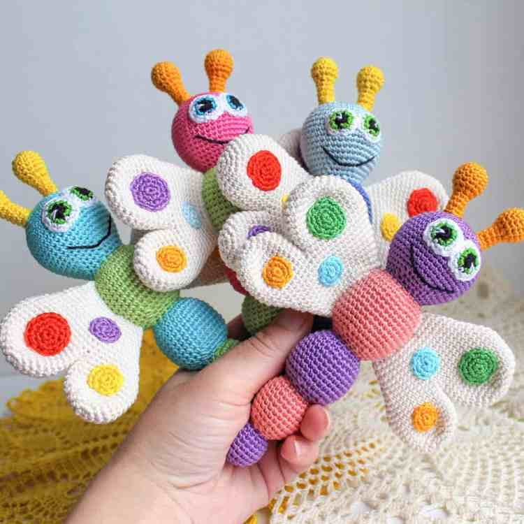 Amigurumi butterfly rattle - Free crochet pattern on Amigurumi Today