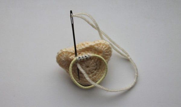 Amigurumi crochet bear hair ties pattern